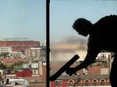 Limpeza de vidros e vitrines
